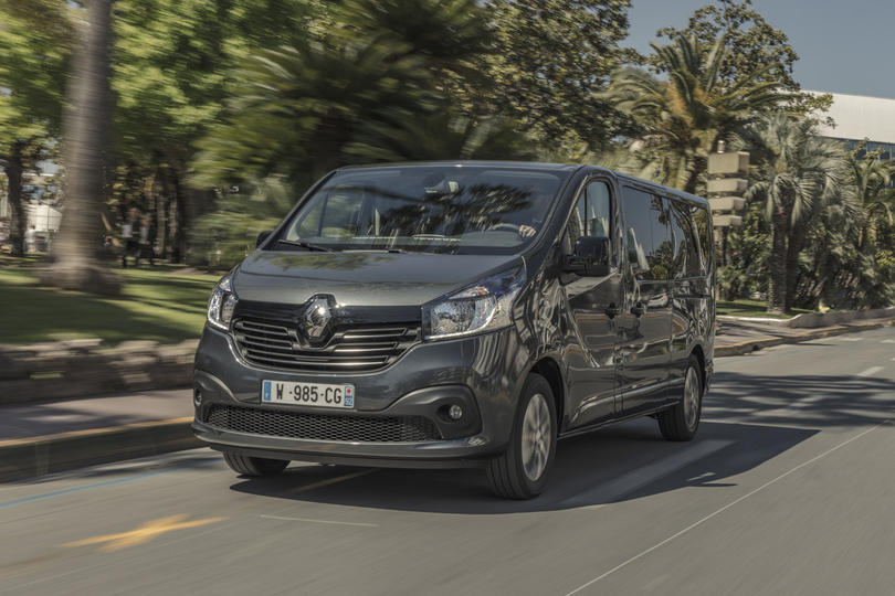 Renault Trafic SpaceClass: Schickes Space-Shuttle